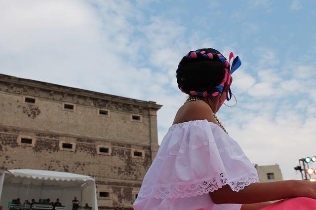 festival folklorico en los pirineos